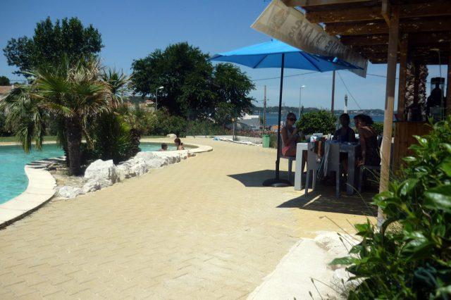 paillote-et-piscine-2